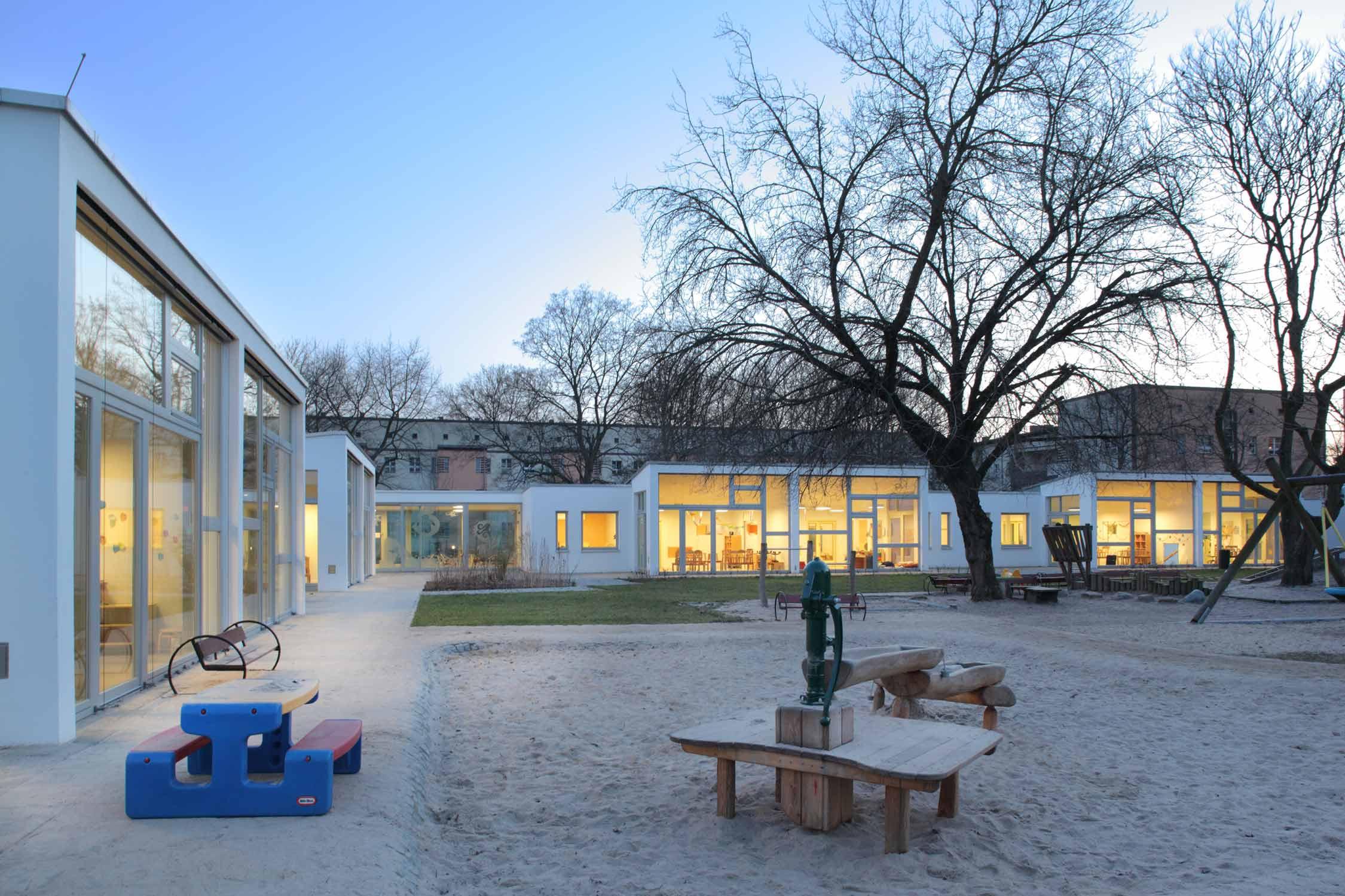 kita lichtenzwerge berlin lichtenberg anne lampen architekten architektin in berlin kreuzberg. Black Bedroom Furniture Sets. Home Design Ideas